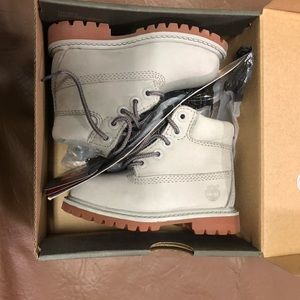 Brand new gray timberland shoes